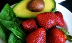 Recipe: Avocado Salad With Strawberry Sauce
