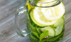 8 Great Benefits Of Drinking Cucumber Water (+5 Recipes)