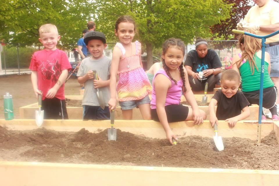 Grow – Group Digging